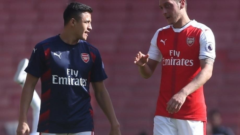 Wenger: 'Possible' that Alexis and Ozil leave in January